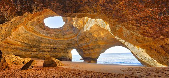 Algarvė (Portugalija) - uolų didybė, vietinių ramybė ir istorinių objektų gausybė