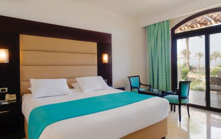 Elphistone Resort 4*