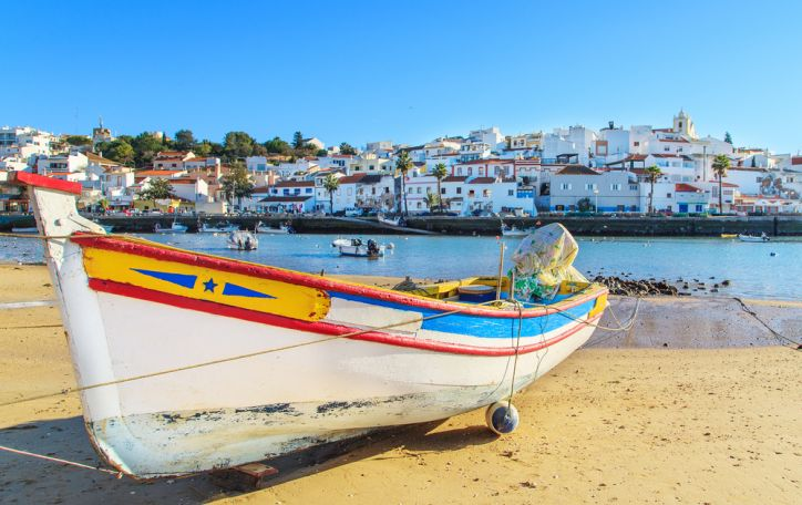 Algarvė (Portugalija) - tarp keisčiausių uolų įsispraudę vaizdingi paplūdimiai