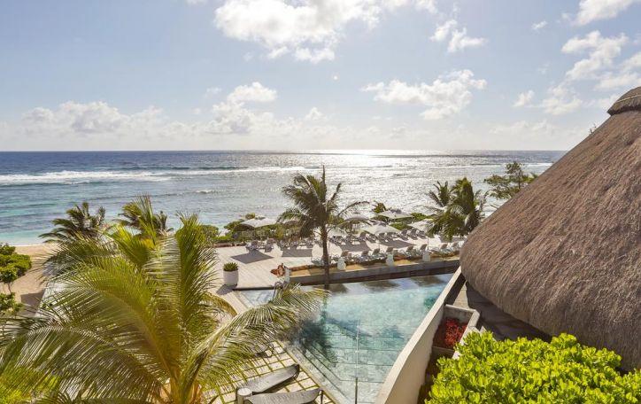 Mauricijus (8n.) - Dievo pamestas žalsvas karoliukas, pūpsantis šiltame vandenyne