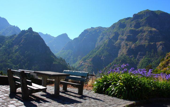 Madeira - sala sukurta įsimylėjusiems gėlėtą ir švelnų pavasarį