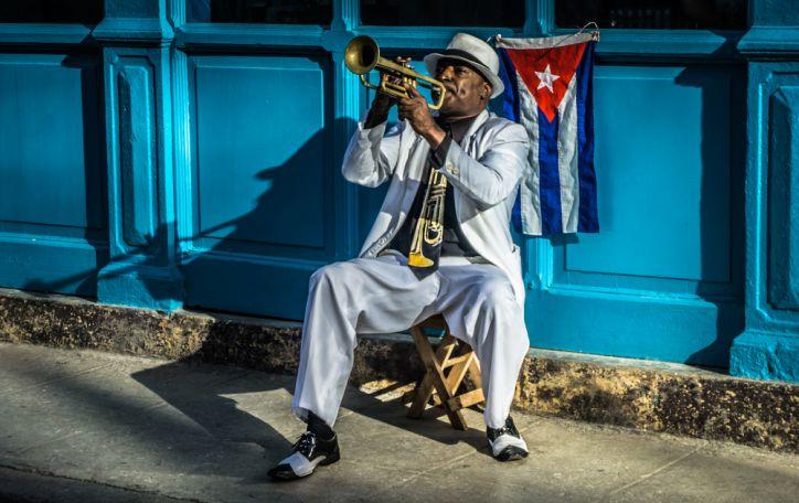 Kuba (14n.) - aistra pulsuojanti, Karibų jūra banguojanti ir unikalumu viliojanti