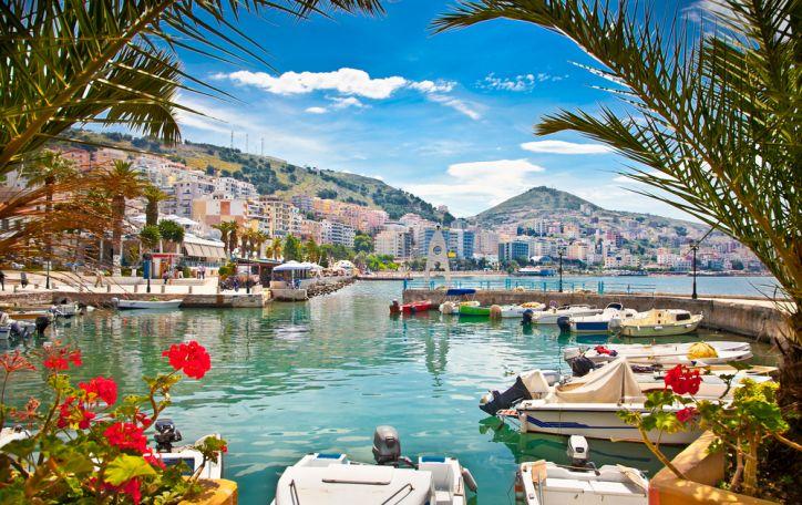 Albanija - vaizdingi pajūrio krantai, balti jaukūs paplūdimiai ir aukšti kalnai