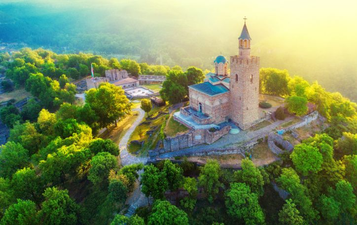 Bulgarija - jūra, kalnais, slėniais ir miškais pasipuošusi Balkanų vilioklė