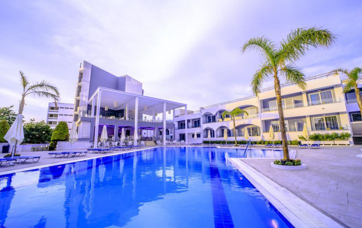 Oceanis Park 4*