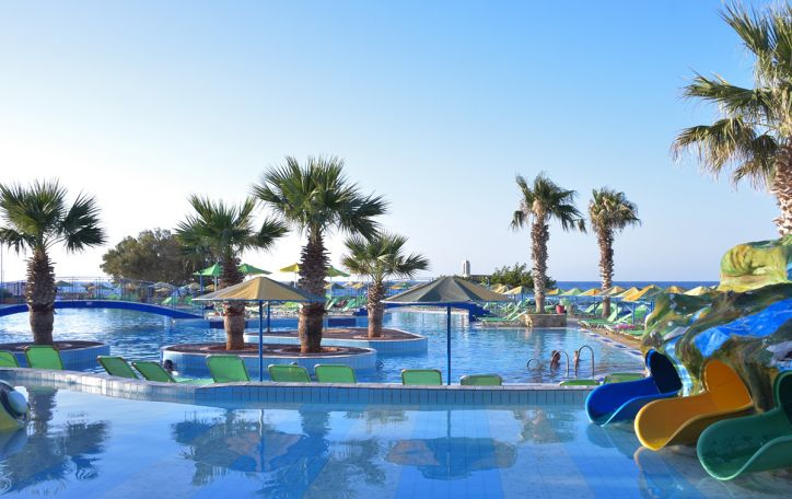 Eri Beach & Village 4*