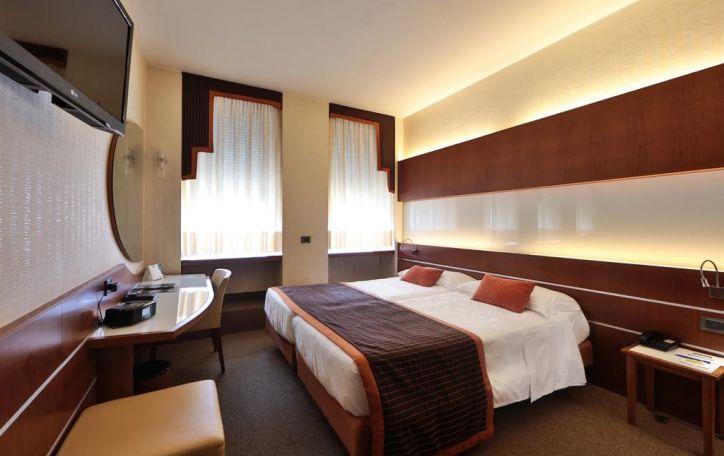 Best Western Madison Hotel 4*