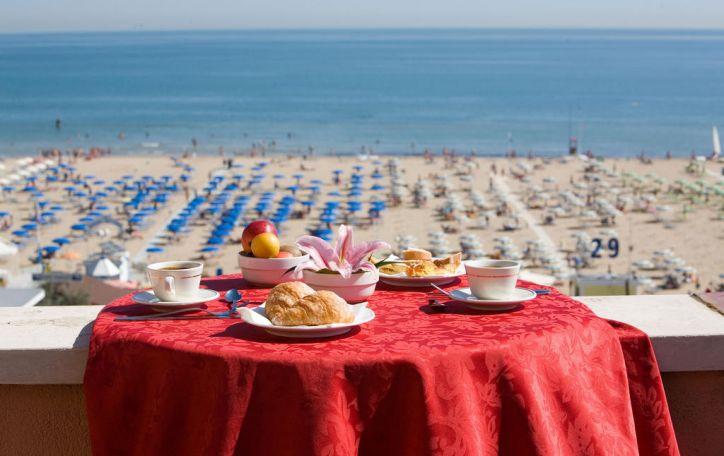 Riminis - seniausias Italijos kurortas kviečia pasidžiaugti itališka vasara
