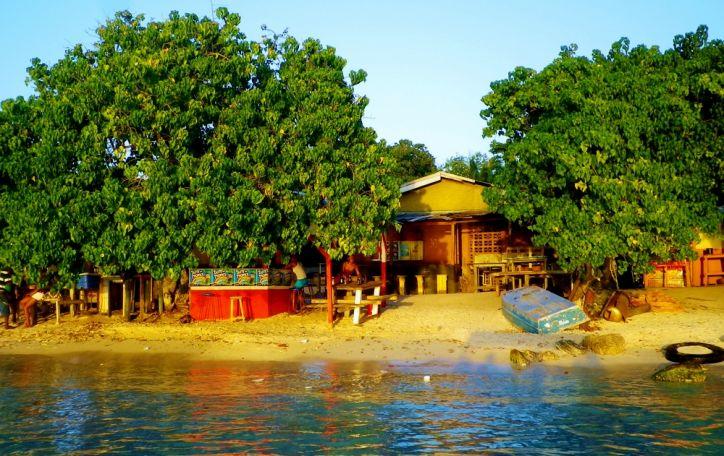 Jamaika (11n.) - skambanti lengvais Bobo Marlio ritmais ir stebinanti savo energija