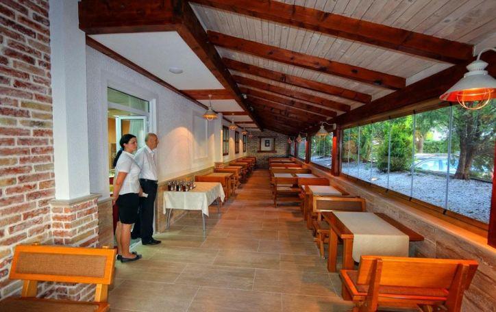 Juodkalnija - šokite į tyrą vandenį ir atraskite ramybę žalių kalnų glėbyje
