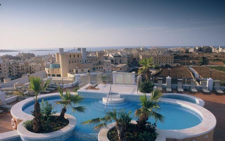 IŠPARDUOTA! Malta (3n.) - tobulas, nuo aplinkinio pasaulio atsiskyręs kampelis