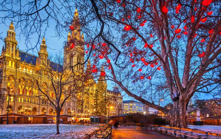 Naujieji metai Vienoje - pažinkite gražiausius miestus nuostabiausių švenčių fone