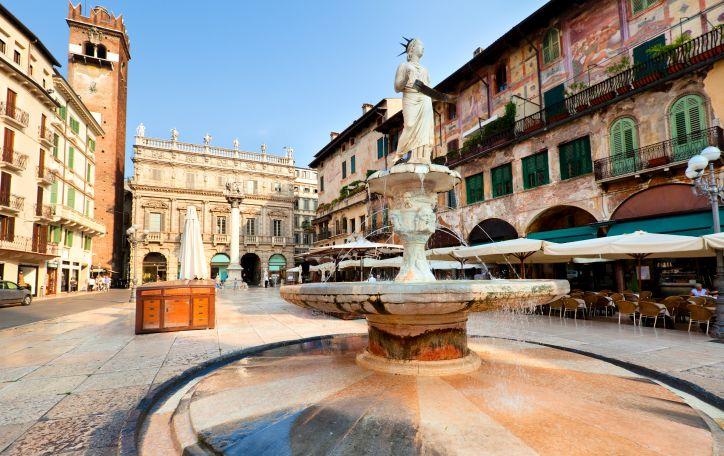 Naujieji metai Veronoje - gražiausios šventės ten, kur meile degė Romeo ir Džiuljeta