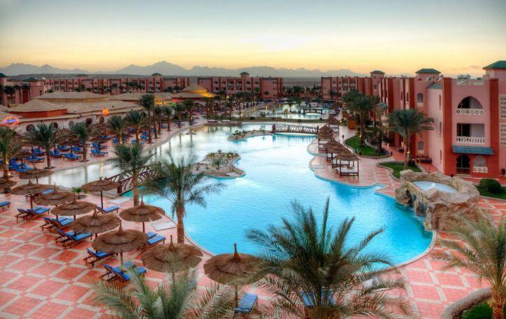 Naujieji metai Egipte - šiltos, saulėtos ir jūra ošiančios šventės