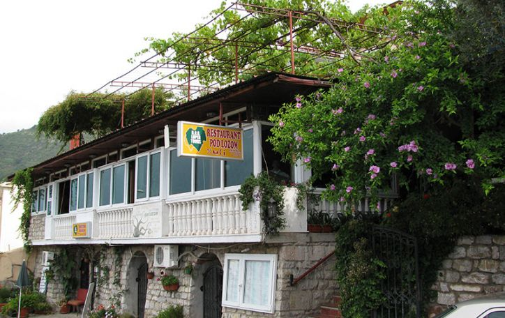Juodkalnija - gaivi ir žalia tyrų ežerų, greitų upių bei švelnių paplūdimių savininkė