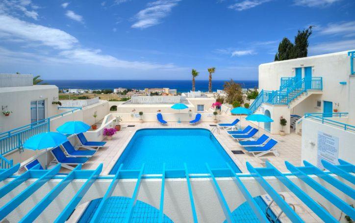 Kipras - šilta ir svetinga meilės deivės sala su meile kviečianti atostogauti