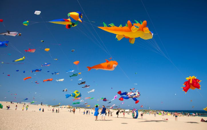 Fuerteventūra - pasikinkykite šiltą vėją ir šokite į putojančias Atlanto bangas