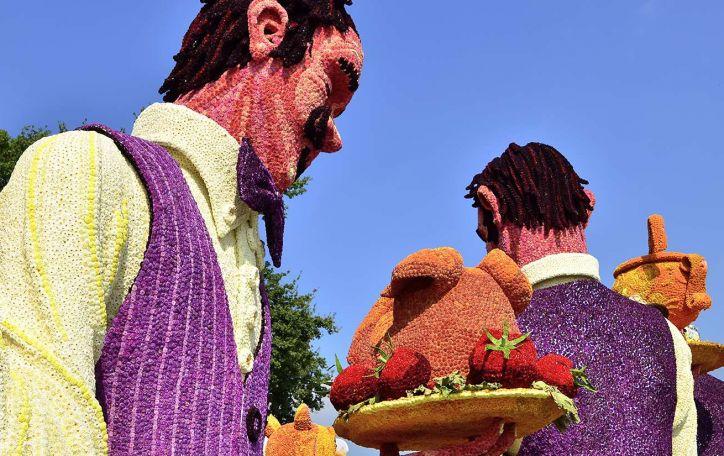 Jurginų skulptūrų paradas Olandijoje - paskęskite žiedų jūroje