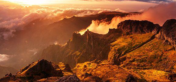Madeira - gaiviuose kalnuose sklandanti romantika ir Atlanto bangose besisupanti ramybė