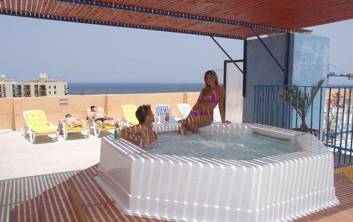 Malta - ištroškusiems saulės ir saldžios kaip medus romantikos